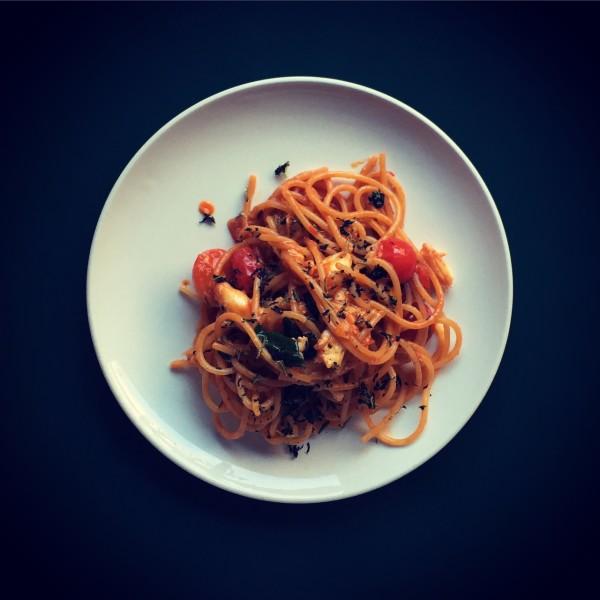 crab, peperoncini, spaghetti